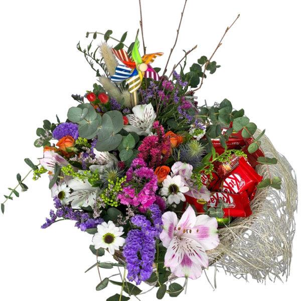 cesta-de-flores-silvestres-con-chocolates-01
